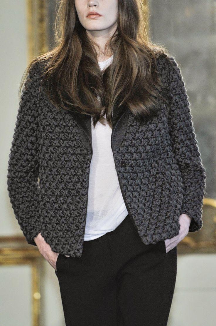 Вязаные пальто, платья и жакеты из коллекции Les Copains Осень-Зима 2011…