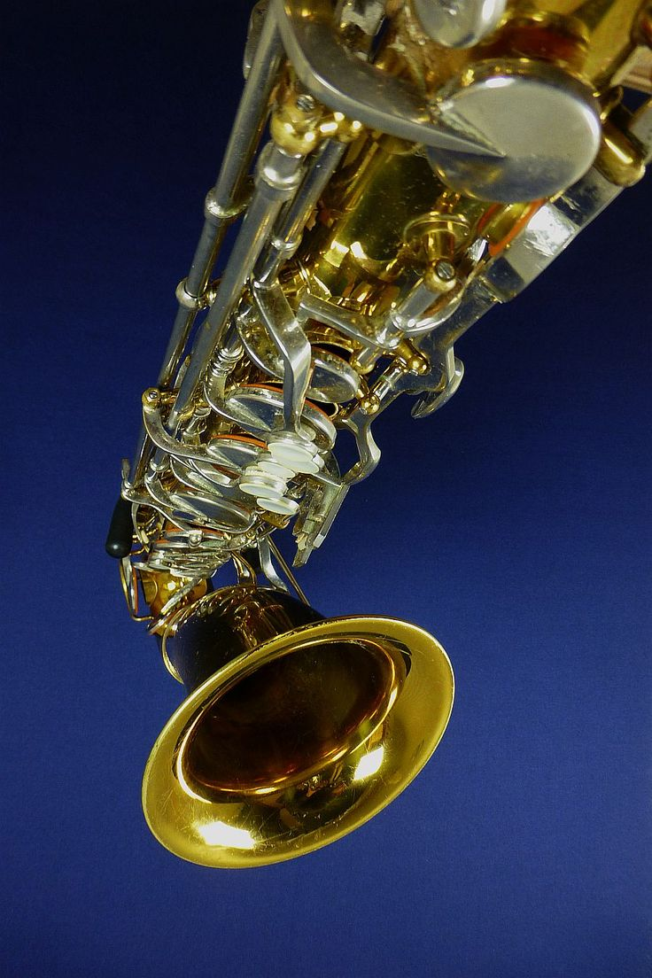 King Cleveland - vintage saxofoons van Hummel