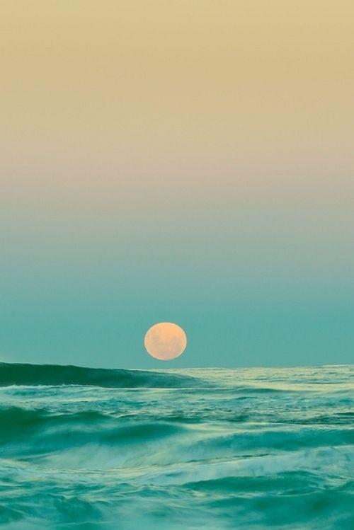 Stunning sun and ocean