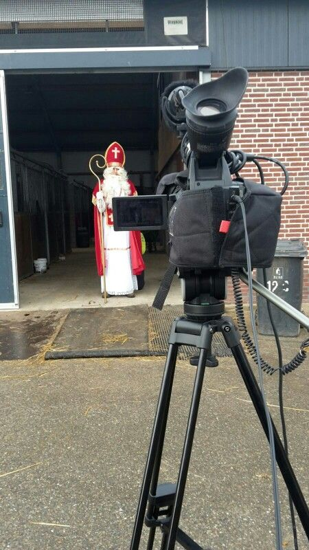 Sunday, November 29th 2015. Filming a Sinterklaasvideo for the  Saferider app by Equinovum. Sint at his stables, an interview.