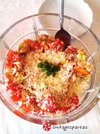 Γλυκιά καλοκαιρινή σαλάτα #sintagespareas #salata #meli