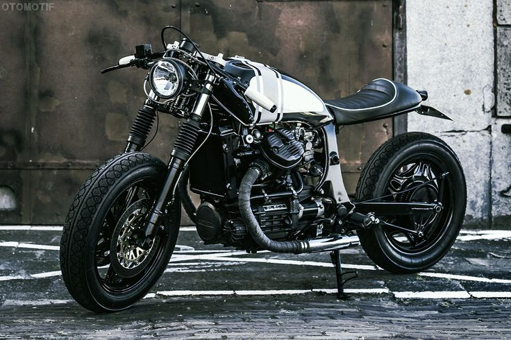 '82 Honda GL500 Cafe Racer by Wrench Kings #motorcycles #caferacer #motos | caferacerpasion.com