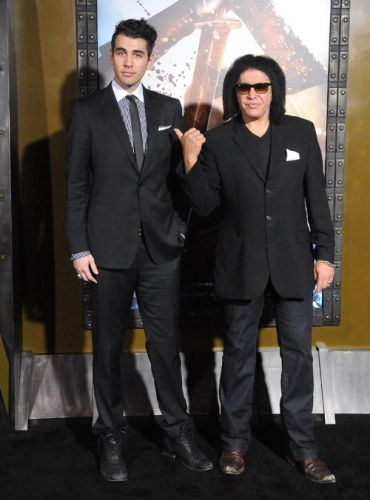 gene simmons rock roll dads gene simmons music pictures and sons. Black Bedroom Furniture Sets. Home Design Ideas
