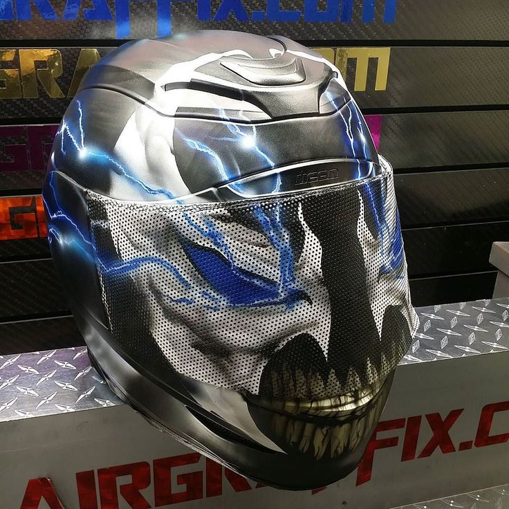 Custom Airbrushed Motorcycle Helmet by Airgraffix.com 263