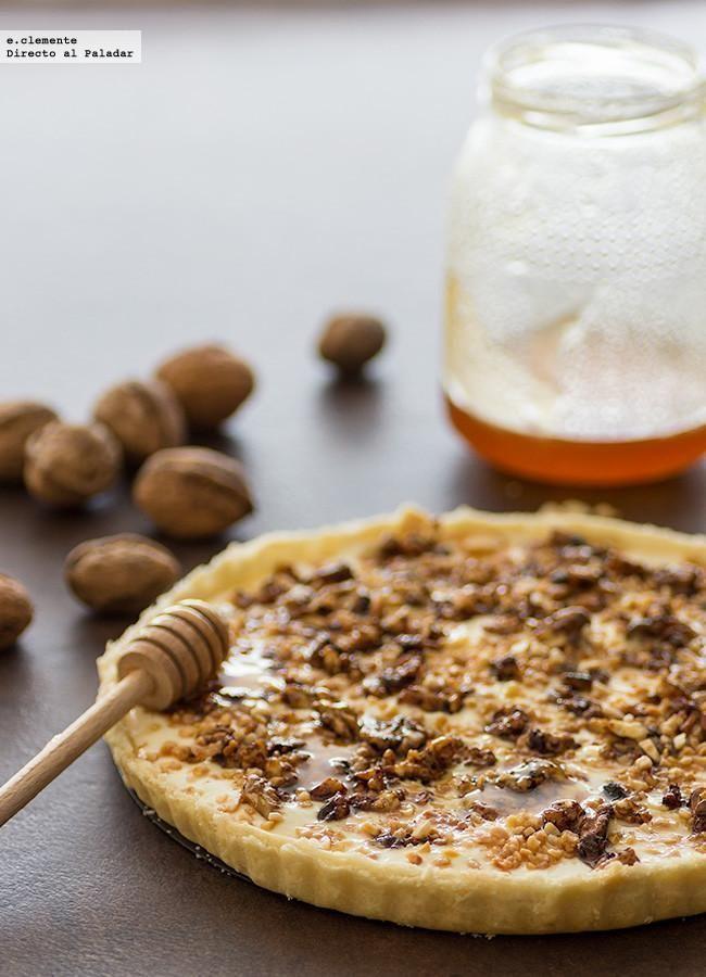 La tarta con queso, nueces y miel es un pastel absolutamente delicioso para tomar una tarde de invierno. Con el sabor de los frutos secos, en este...