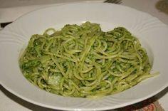 SPAGUETTI VERDE  Para preparar la pasta: 1 paq. de espaguetti 1 cucharadita de aceite 3 hojitas de laurel 1 cuadrito de consome de pol...102187888