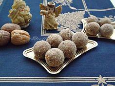 I bonbons alle noci sono velocissimi e gustosi, si preparano in poco tempo e con pochi ingredienti,