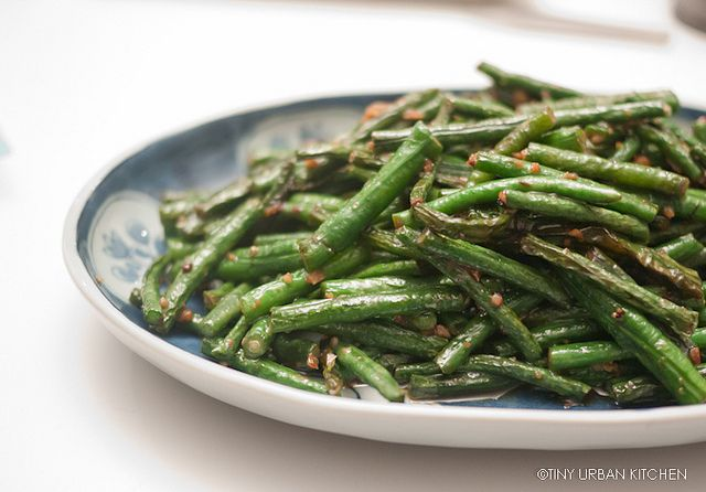 Stir Fried Chinese Long Beans with Garlic- avocado or coconut oil instead of veggie oil and braggs amino acids instead of soy sauce