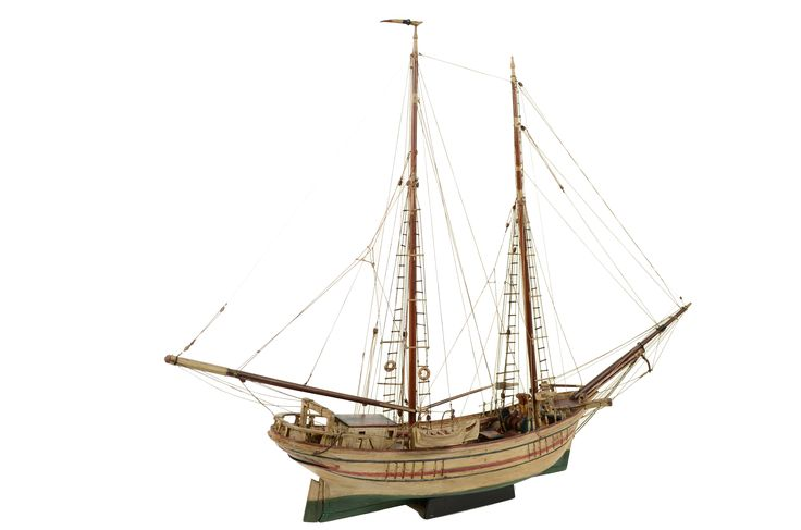 Scale model of the ship Ile De Rouad, end of the XIX century. It is a ship from Turkey, used as fishing boat or to transport; it is a wooden very large ship, sometimes changed into a cruiser ship. Good condition. Length cm 112, height cm 84.