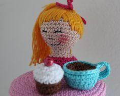Patroon Deksels Koffieleut Potje     Ik kreeg het verzoek om een een deksel te haken voor iemand die haar kast vol met het servies van Blon...