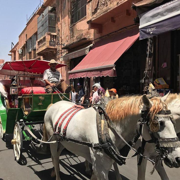 Place Jemâa el-Fna Marrakech #morocco #morocco #mosque #marrakesh #marrakech #ramadan #ramadan #ramadan2017 #nofilters #nofilter #instatravel #instapics #travel #traveling #travelingtheworld