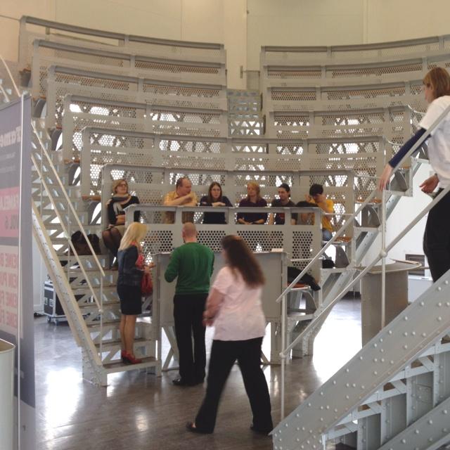 Jugendstilhörsaal der Meduni Wien -  heute gäbe es wohl keine Genehmigung für die Konstruktion.