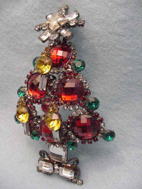 Larry Vrba beautiful Cherry red and green Art Glass stone Christmas tree pin that can also be worn as a necklace. It has three candles on the front and a star on the top of the tree. In the photo it looks rust in color but it is a bright cherry red and green with topaz colored candles. | eBay!