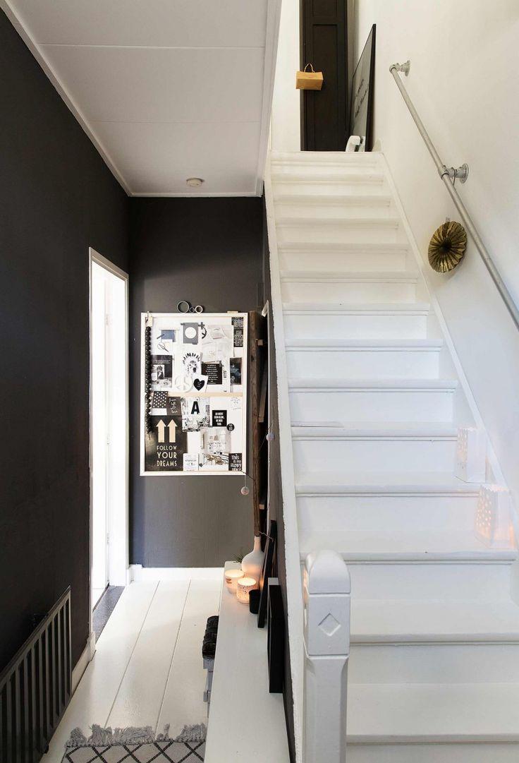 11-zwarte-hal-witte-trap