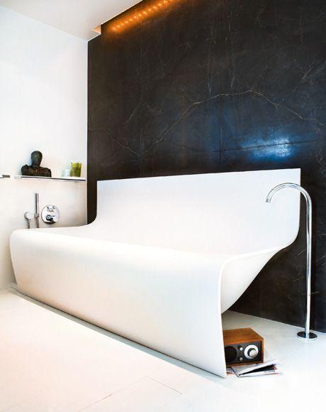 desire to inspire - desiretoinspire.net - Reader request - sexy, glamourous rooms Ultra modern bath design, sculptural
