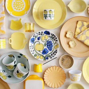 なんだか楽しくなちゃうイエローの食器集め♪色々な素材・デザインで賑やかに!