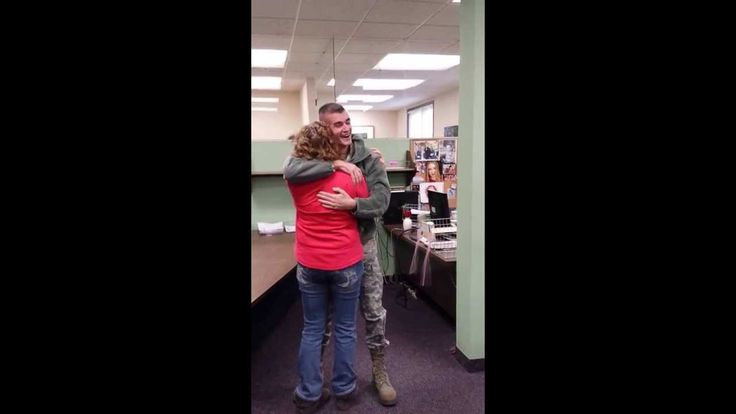 Surprise Military Homecoming | Right In The Feels - http://www.militarysurprise.com/surprise-military-homecoming-right-in-the-feels-2/