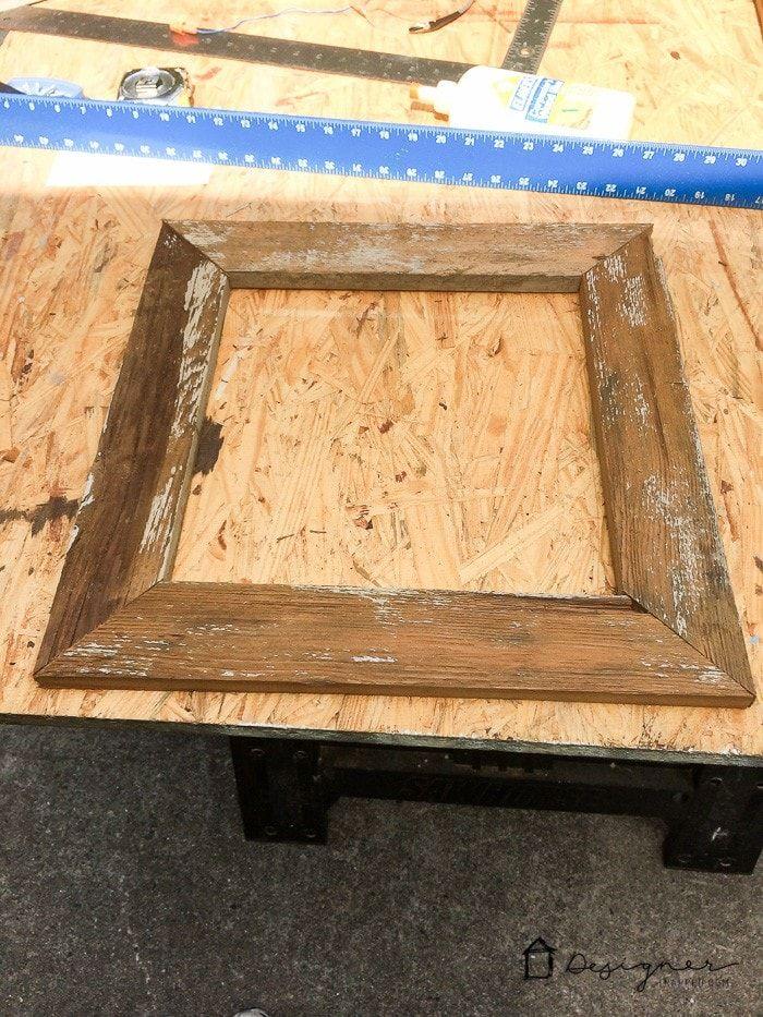 Wie man einen DIY Bilderrahmen aus Upcyled Wood macht ...