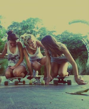 skater girls | summer fun | hanging out | skateboard | skate