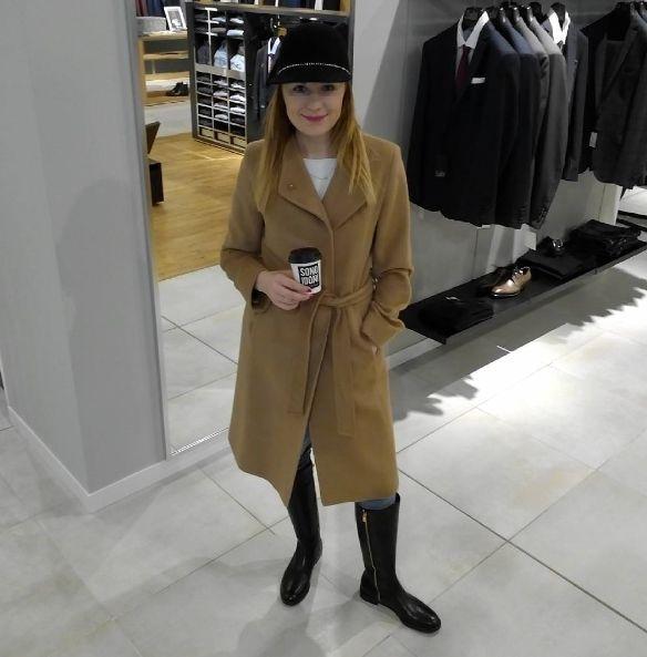 Nasza Stylistka - Malwina w płaszczu marki Cinzia Rocca wykonanego z sierści wielbłąda! W Sono Idoni Stary Browar -15% na wszystkie kurtki i płaszcze! Zapraszamy :)