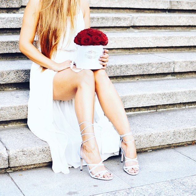 Už jste někdy darovali, nebo dostali květiny v luxusních flowerboxech? 💐💝🎁🛍 #stairs #instaflower #rosebox  #kvetinyvpraze #czechgentleman #instaprague #Madeinczech #prague #FlowersOfTheDay #giftforher #FlowerBox #czechfashion  #glamourflowers  #redroses #czechstyle #red  #růževkrabici #pragueflowers #prague  #czech  #shop #czechshop #luxuryflowers #glamourflowers #ruze