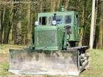 ChTZ T-100 - Kettentraktor mit Planierschild, Planierraupe aus dem Tscheljabinsker Traktorenwerk/ UdSSR, gehörte zum Bestand der Pioniertechnik der NVA - fotografiert am 17.04.2010 zum Militär- und Nutzfahrzeugtreffen im Bunkerpark Wünsdorf/Waldstadt - Copyright @ Ralf Christian Kunkel