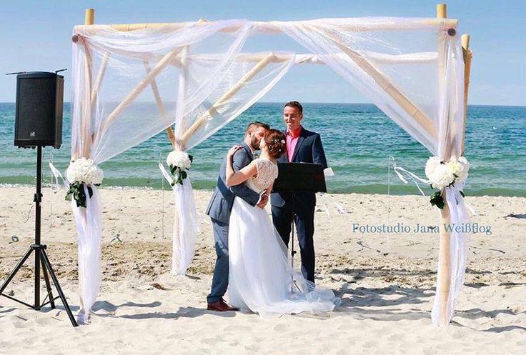 Schönen guten Morgen ☀️ genisst das Wetter ��❤ #eleganzecouture#dress#promdress#beauty#weddinggown#gown#bride#bridal#beauty#berlin#celebraty#wedding#instagood#instadaily#photooftheday#f4f#l4l#follow4follow#like4like#goodnight#bridedress#bridaldress#gelin#gelinlik#love#engagement#Photography#girl#couple http://gelinshop.com/ipost/1523840574317619232/?code=BUlxO2-h2gg