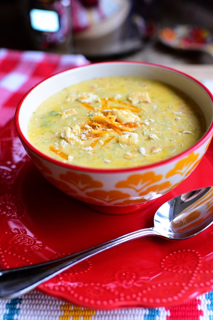 Slow Cooker Broccoli Cheese Soup – The Pioneer Woman