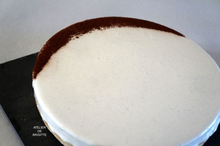"""Depuis quelques temps, je vois souvent passer cette belle réalisation sur Facebook. Pierre Hermé et un chef pâtissier connu mais aussi reconnu le plus grand pâtissier du monde par ses pairs. Il a créé une gamme de """"tartes-entremet"""" . La gamme """"Infiniment""""..."""