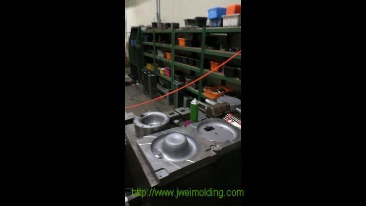 Plastic injection molding company workshop China