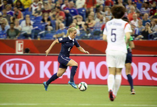 Amandine Henry (photo) a ainsi remporté le Ballon d'Argent, récompensant la deuxième meilleure joueuse du tournoi, tandis que la sélection française s'est distinguée avec le prix du Fair-play de la FIFA.