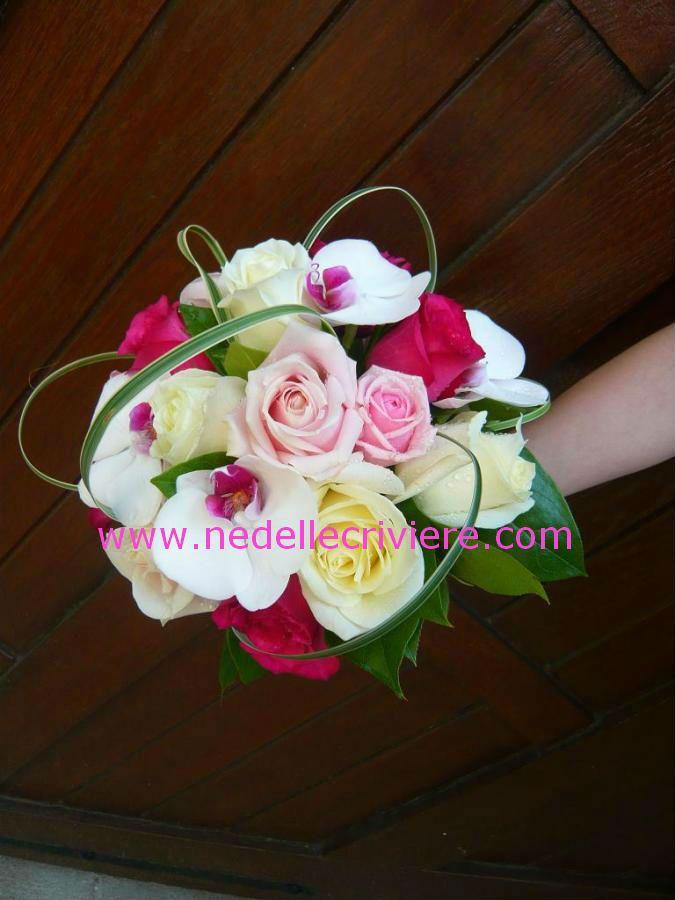 bouquet de mariée rond avec orchidée phalaenopsis rose