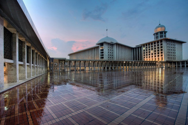 masjid istiqlal - http://www.facebook.com/IndonesianPhotography?fref=ts
