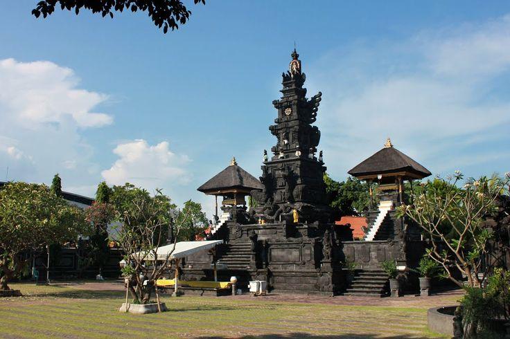 Pura Agung Jagad Karana /  Jagad Karana Hindu Dharma Shrine
