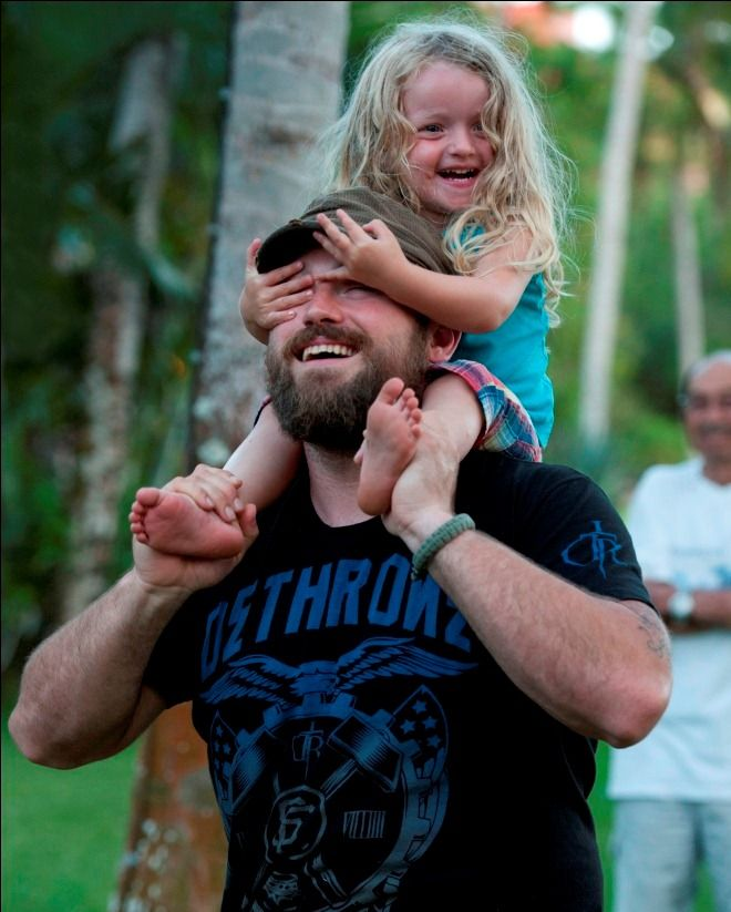 Zac Brown and his daughter