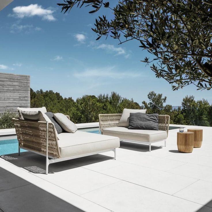 Stilsicher, leidenschaftlich und langlebig – die zeitlosen Outdoor-Möbel von Gloster vereinen handwerkliches Geschick und Nachhaltigkeit in elegantester Form – Christiane
