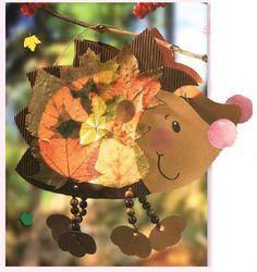 Sint Maarten Egel Lampion/ Lantaarn van Knutselkarton en Herfstbladeren........Igel-Mobile aus Blättern :D so süß / Hedgehog mobile with fall leaves