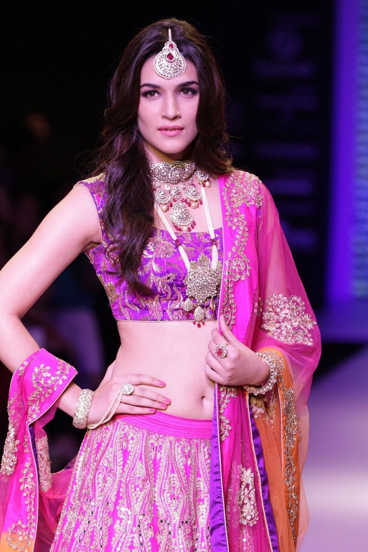 Kriti Sanon fashion show photoshoot stills 2 Kriti Sanon high resolution pictures