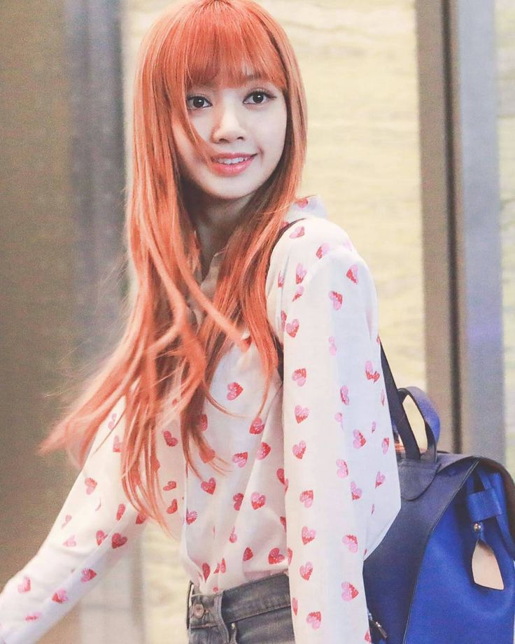If Lisa is ever become a college student what major will she take?  Photography? Or Literature?  #lisa #lalisamanoban #blackpink #blink #college #student #thailand http://butimag.com/ipost/1553611694098257714/?code=BWPiZq5npcy
