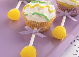 Baby rattle cupcake...how cute is this for a baby shower! @Astin Whisman Whisman Whisman Whisman Whisman Whisman