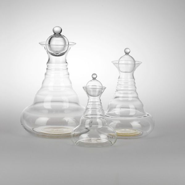 Beber directamente de las jarras es algo especial y agradable. Sólo el contacto con sus formas armónicas con la naturaleza nos aporta bienestar y goce