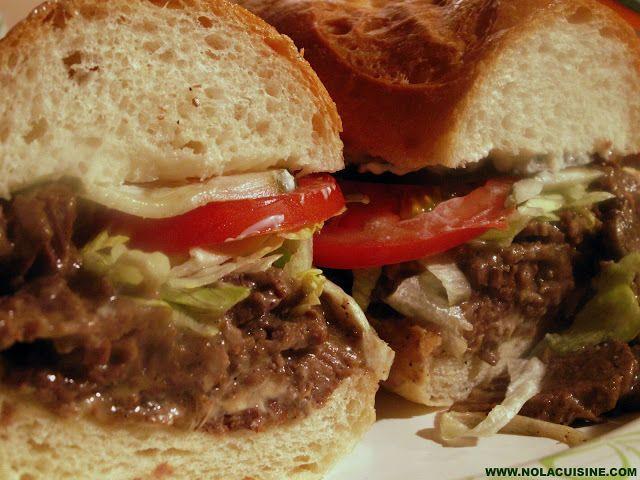 ローストビーフポーボーイ| ニューオーリンズ ポーボーイレシピ|ニューオーリンズの有名なサンドイッチの素晴らしいバージョン(写真)