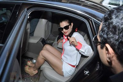 Amisha patel sexy legs