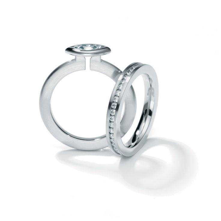 Henrich & Denzel - Platinum Diamond Engagement Ring - ORRO Contemporary Jewellery Glasgow
