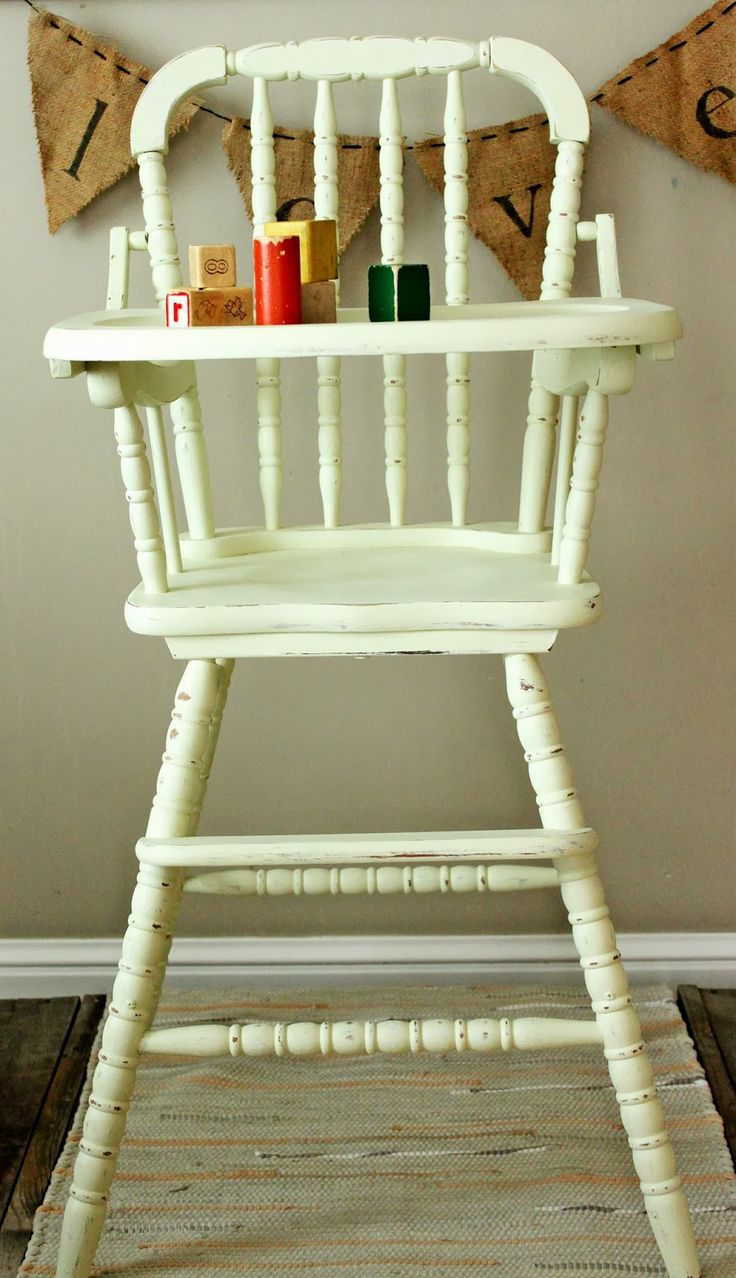 Painted wooden high chair - Painted Wooden High Chair 4