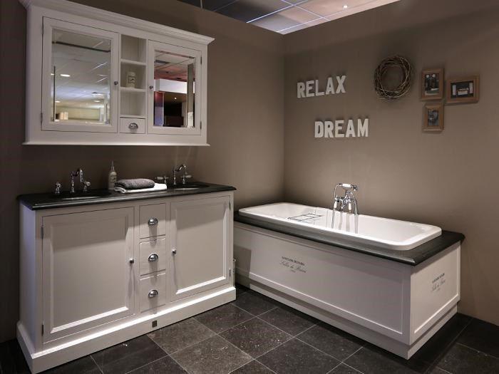 23 landelijke badkamermeubelen hoskens interieurstudio badkamermeubel modern trendy nieuwe - Badkamer romeinse stijl ...