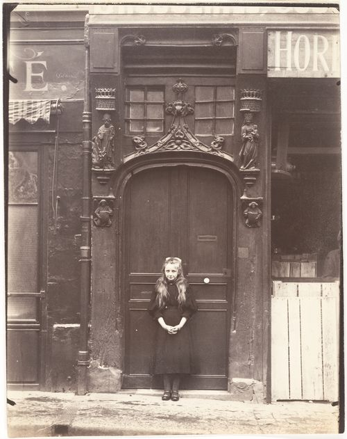 Eugène Atget , Rouen, 6 rue Eau-de Robac, 1908. Via The Metropolitan Museum Of Art