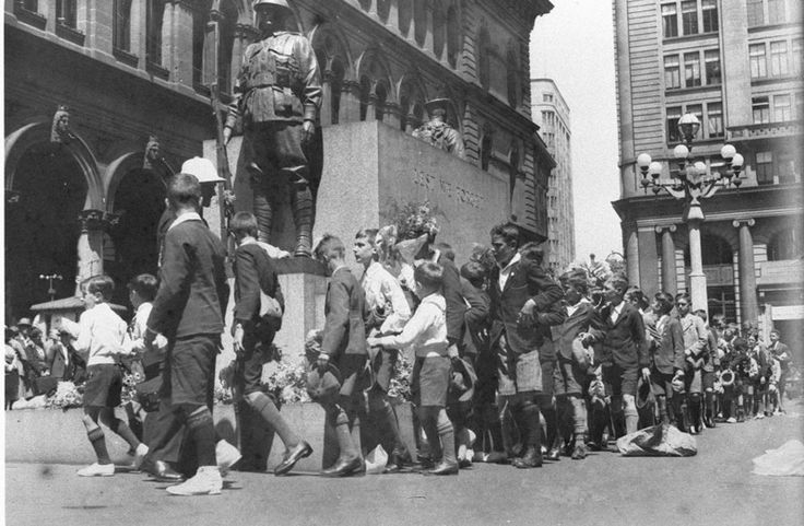 Children march past, Anzac Day ceremony at Cenotaph, Martin Place, 1930s, photograph by Sam Hood. From State Library of New South Wales. http://www.acmssearch.sl.nsw.gov.au/search/itemDetailPaged.cgi?itemID=51065