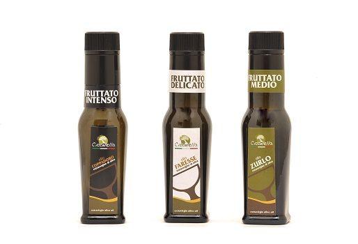Per poter assaporare o far assaporare il nostro olio extravergine d'oliva è possibile acquistare il tris di bottiglie da 0,10 lt ciascuna. Il tris comprende: 1 bottiglia da 0,10 lt di...