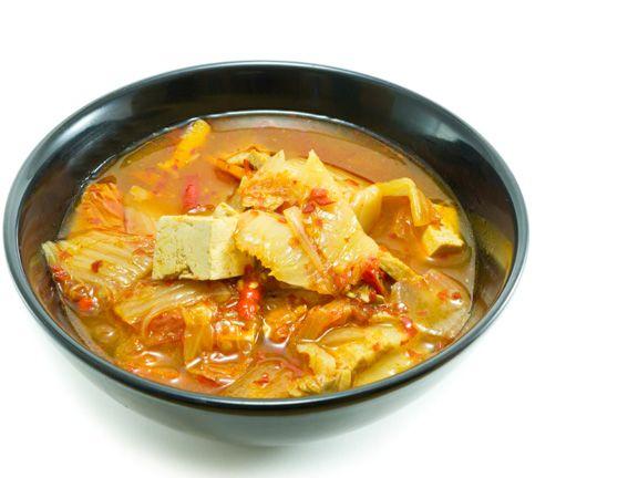 Diese 5 Suppen killen jede Erkältung! | eatsmarter.de